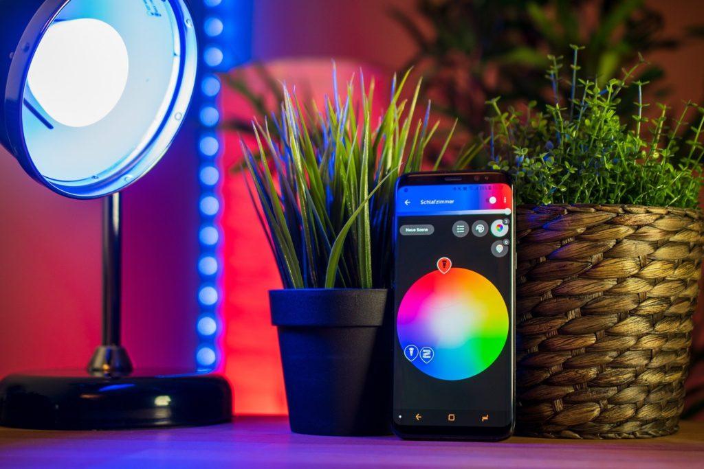 inteligentne oświetlenie aplikacja