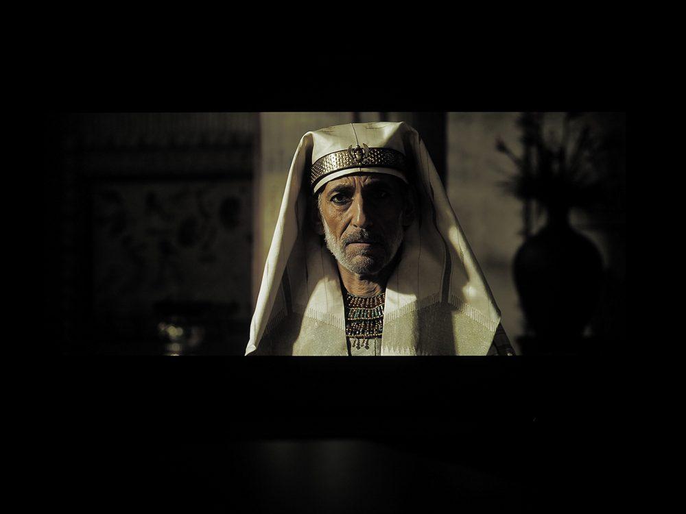 kadr-z-filmu-exodus-na-ekranie-philipsa-55oled805-3
