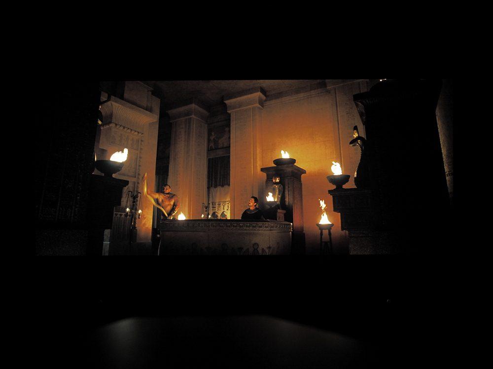 kadr-z-filmu-exodus-na-ekranie-philipsa-55oled805-6