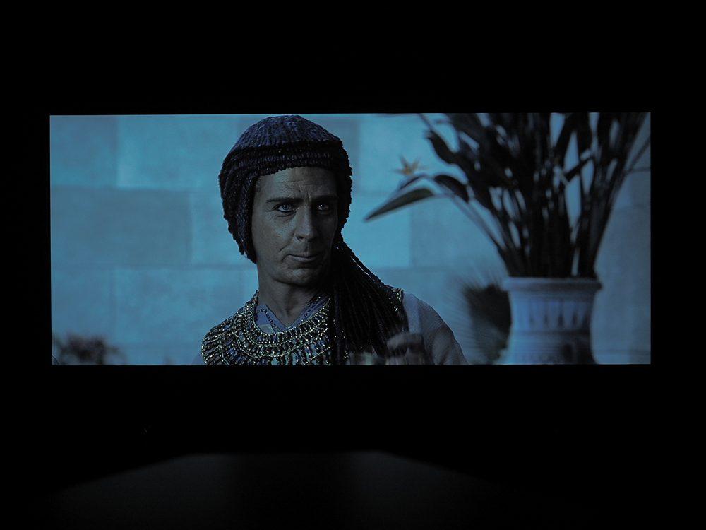 kadr-z-filmu-exodus-na-ekranie-philipsa-55oled805-8