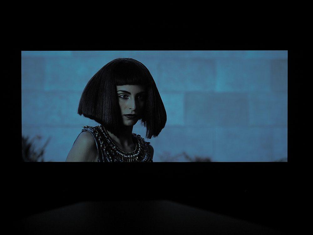 kadr-z-filmu-exodus-na-ekranie-philipsa-55oled805-9