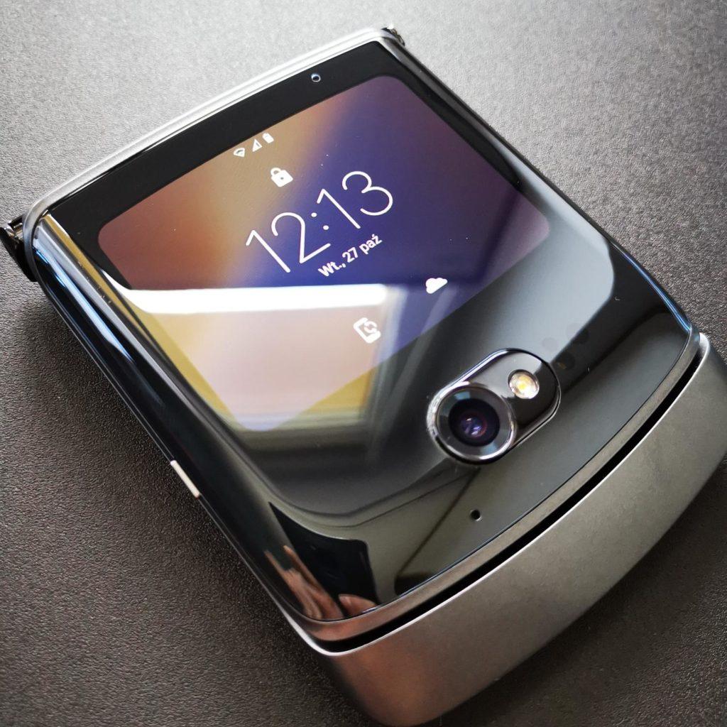 Motorola Razr 5G złożona