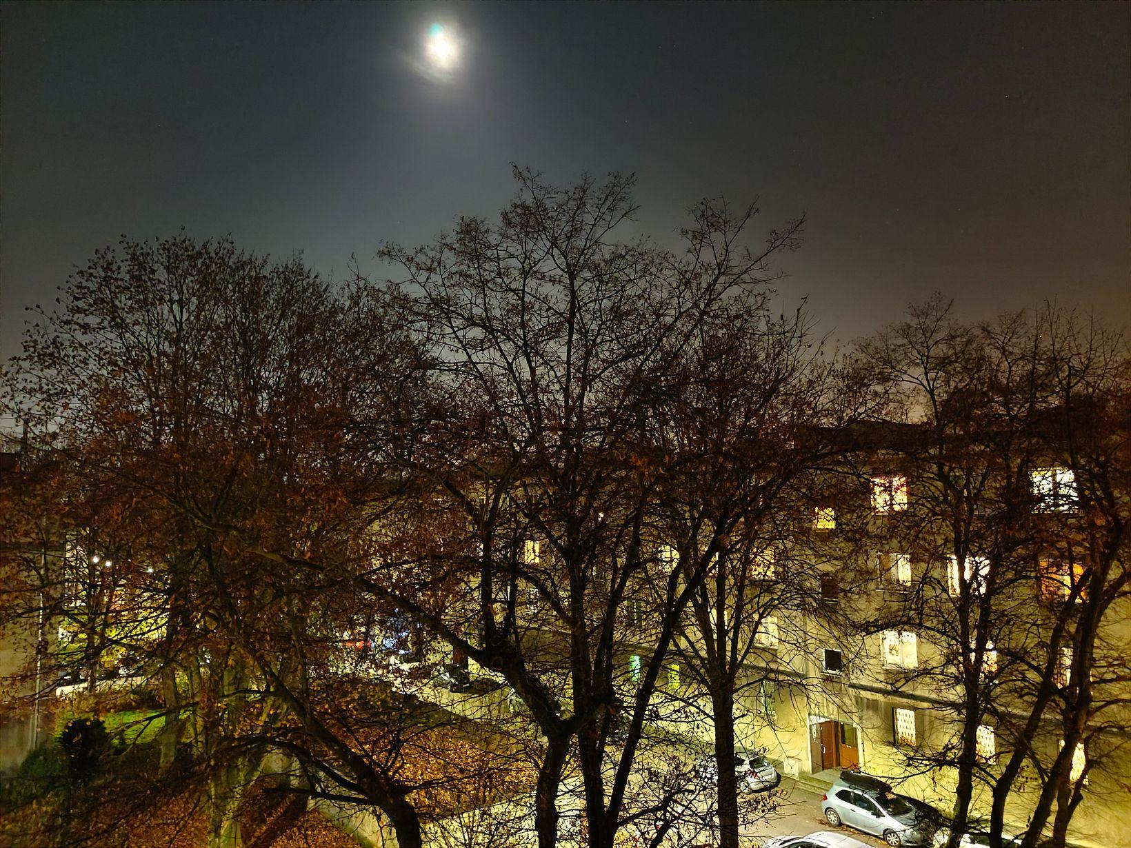 zdjęcie nocne X451 5G