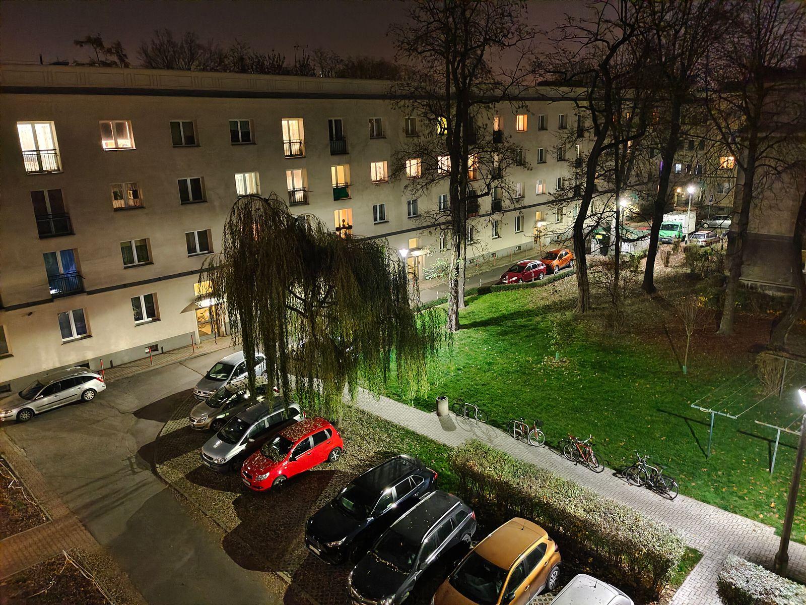 zdjęcie nocne X51 5G