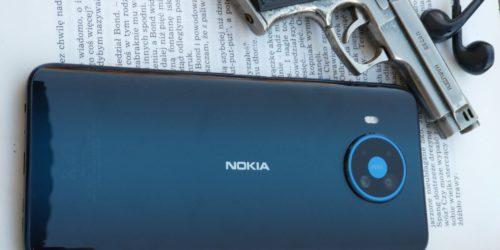 Nokia 8.3 5G - recenzja. Niezła z niej agentka?