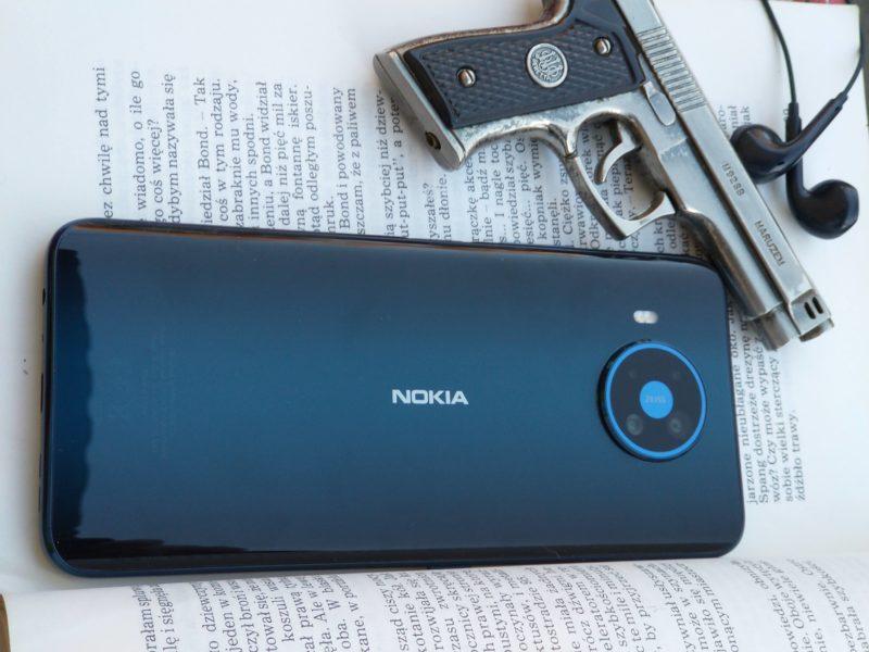 Nokia 8.3 5G – recenzja. Niezła z niej agentka?