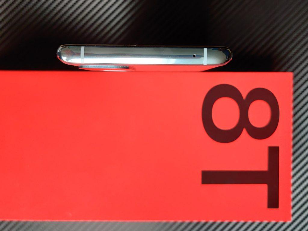 OnePlus 8T od góry