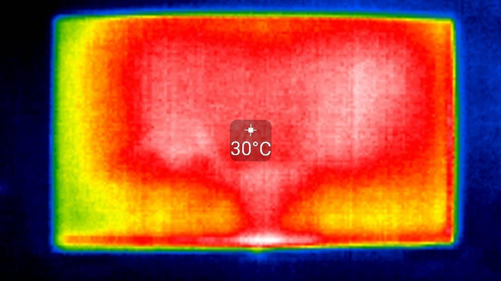 obraz z termogramu potwierdzający, że w philipsie 55pus9435 zastosowano podświetlenie bezpośrednie