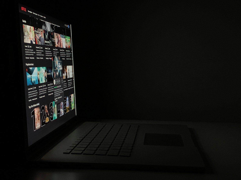 lewy kąty ekranu
