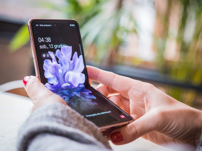Złóż się… z rodziną i kup Z Flipa. Recenzja smartfona Samsung Galaxy Z Flip 5G