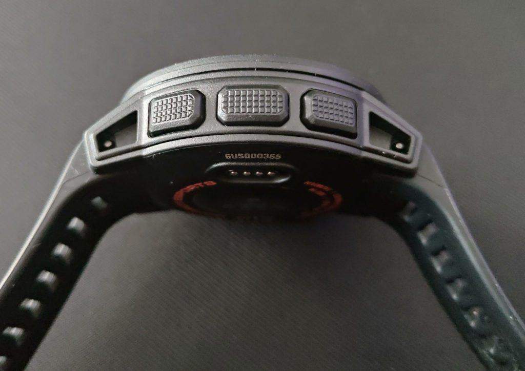 Garmin Instinct Esports przyciski po lewej stronie zegarka