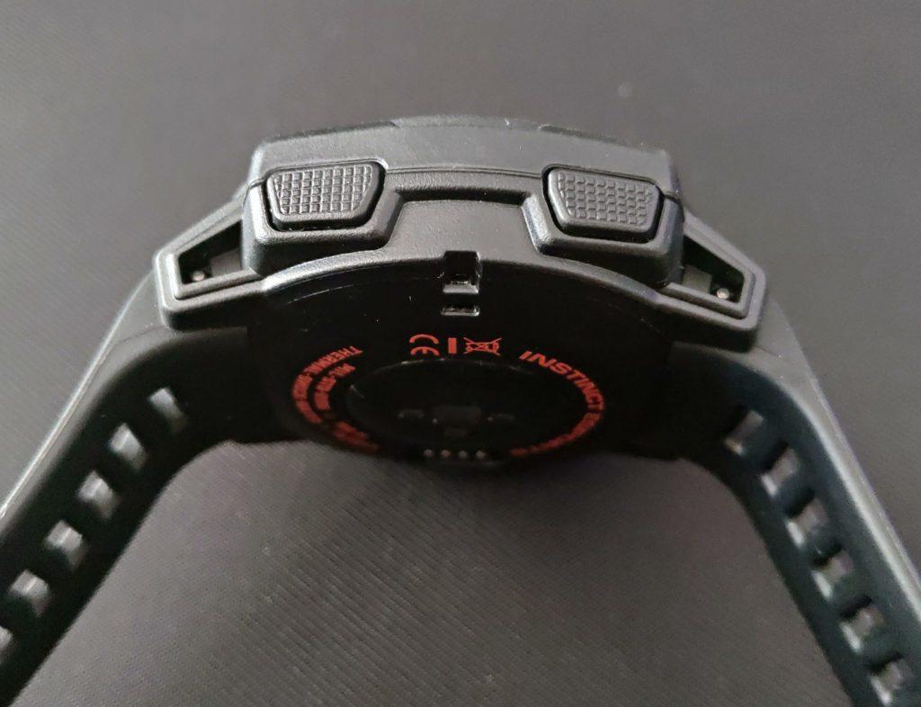 Garmin Instinct Esports przyciski po prawej stronie zegarka