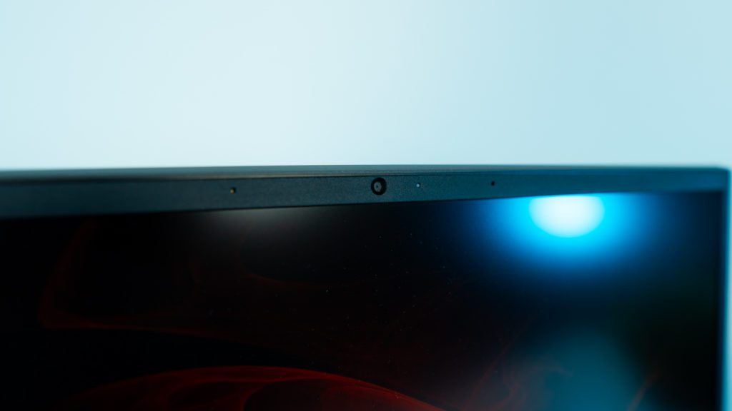 Matryca Omen 15, kąt odchylenia, ramki, laptop Ryzen 7 4800h, jasność kranu, barwa ekranu, kontrast, tonacja, IPS logo omen, mikrofon, kamerka video, kamera, czujnik, dioda