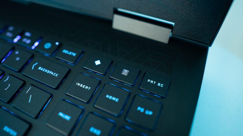 OMEN 15 HP bang&olufsen głośniki, klawisze funkcyjne, klawiatura, touchpad, palmrest, kolor czarny, klawiatura, plamres touchpad kolory RGB podświetlenie, Command center, OMEN,