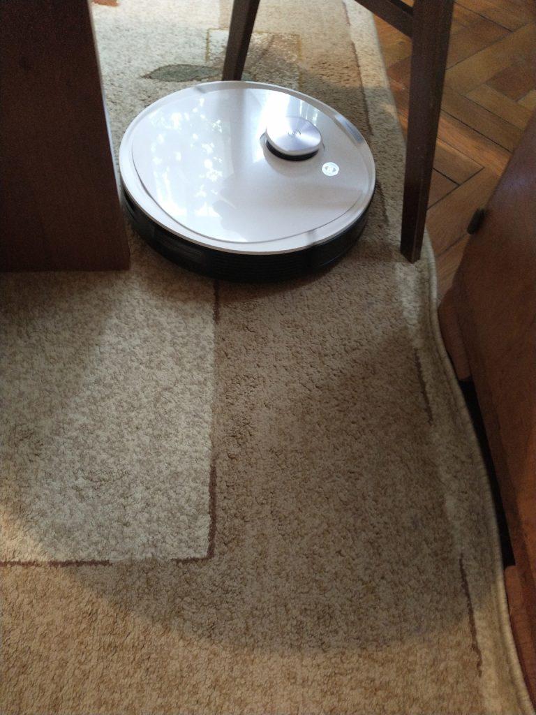 deebot ozmo t8+ sprzątanie pod krzesłem
