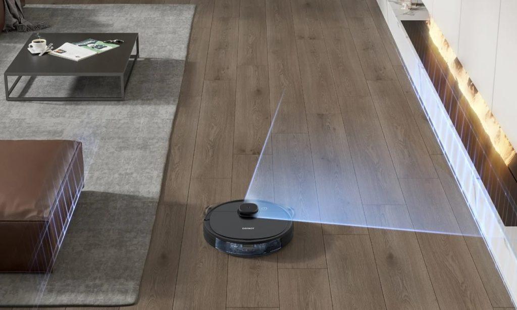 deebot ozmo 950 podczas odkurzania drewnianej podłogi