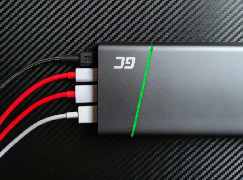 PowerPlay Ultra wyjścia USB