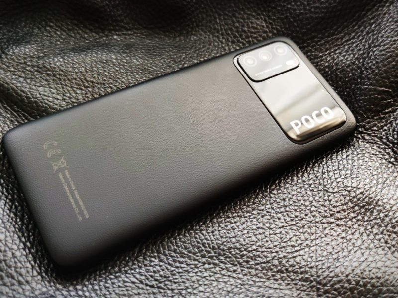 Nieco ospały książę budżetowców w plastikowej imitacji skóry. Recenzja Xiaomi POCO M3