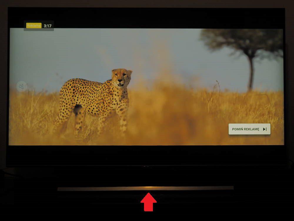 odbijająca światło podstawa telewizora samsung 55q75ta