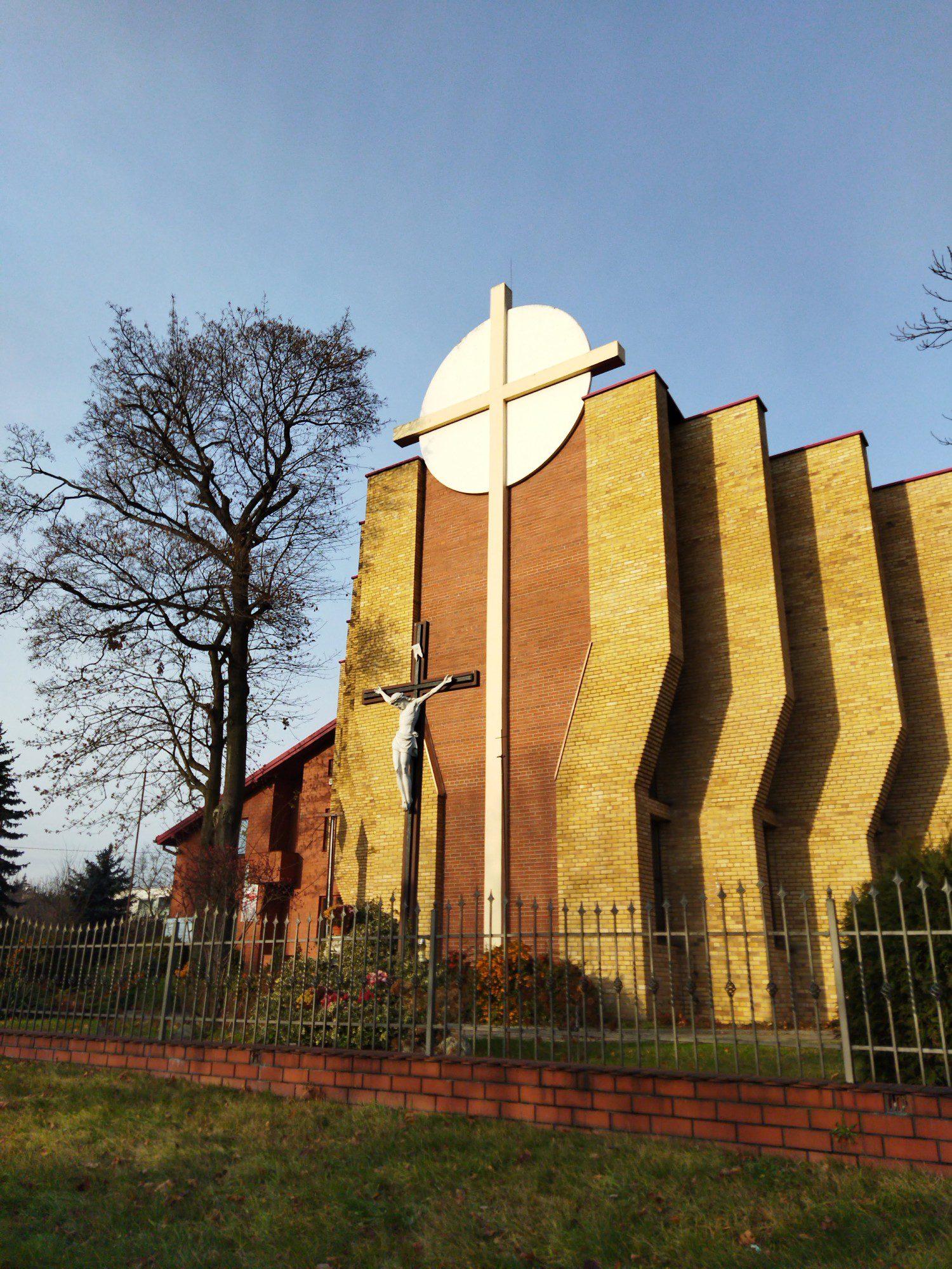 kościół zdjęcie 48 mpix poco m3