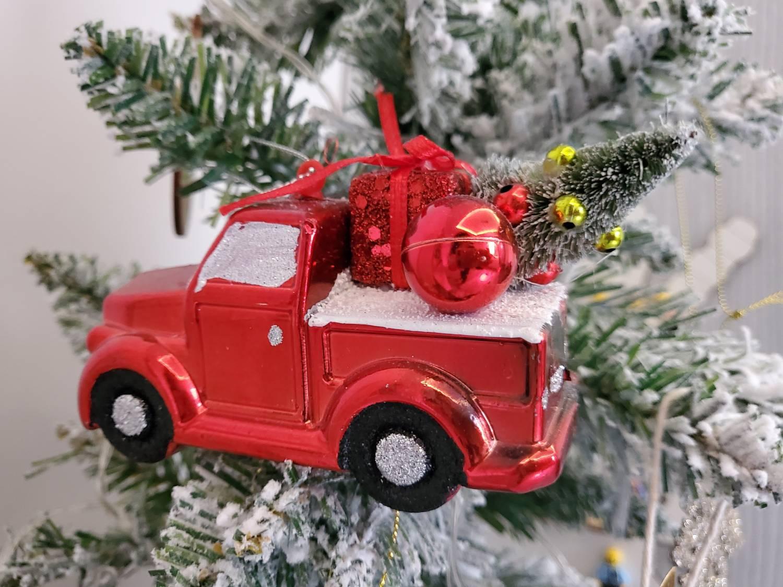 zdjęcie samochód świąteczny