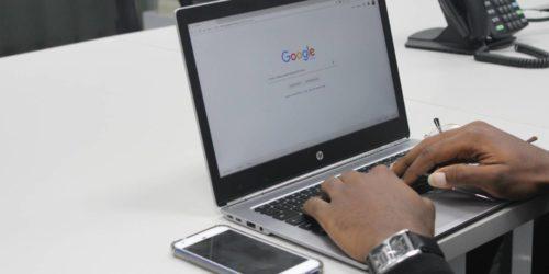 Jak internet robi nas w bańkę, czyli czym jest bańka filtrująca?