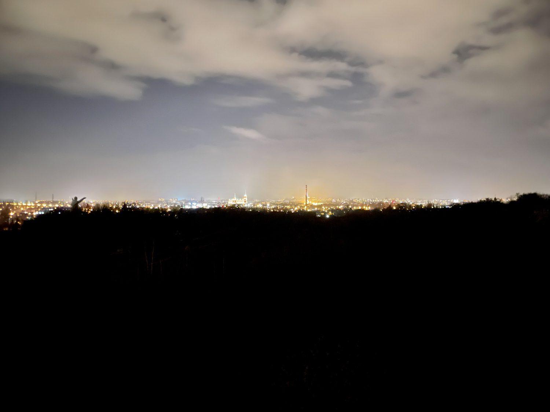 iphone 12 pro zdjęcie panoramy miasta