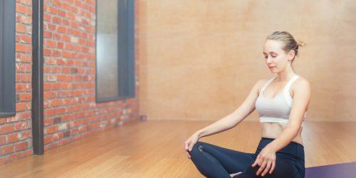 Polecane podcasty o medytacji. Sprawdź, których warto posłuchać