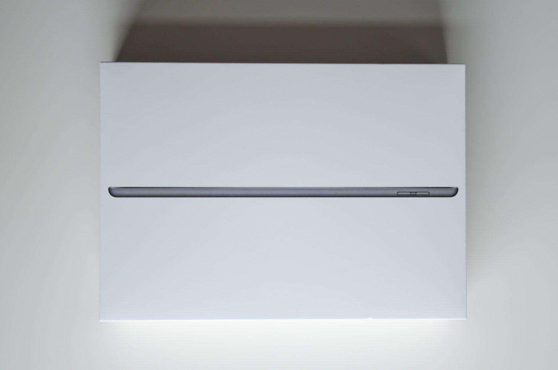 pudełko z apple ipad 8 generacji