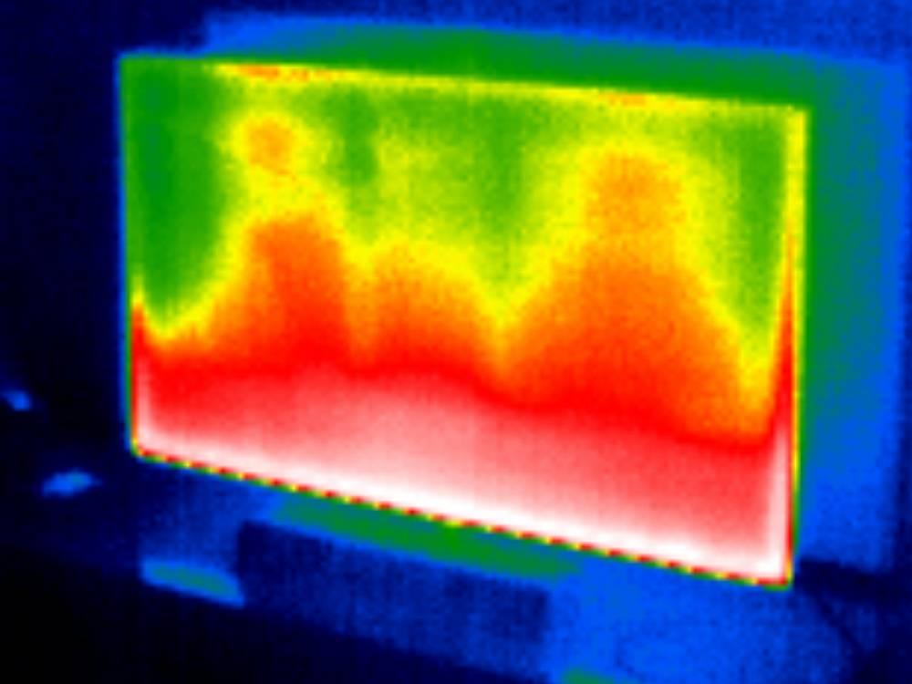 ekran telewizora philips 43pus9235, dolna część podświetlona na czerwono, co oznacza wysoką temperaturę