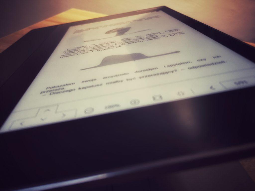 Lenovo ThinkBook Plus e-ink czytnik