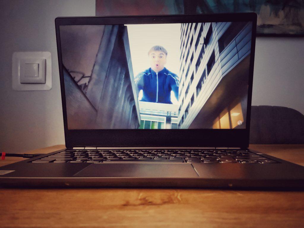 Lenovo ThinkBook Plus e-ink ekran