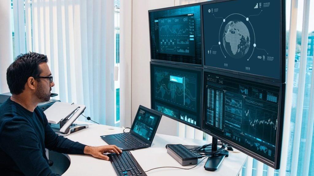 Targus USB-C Universal Quad 4K stacja z 4 monitorami