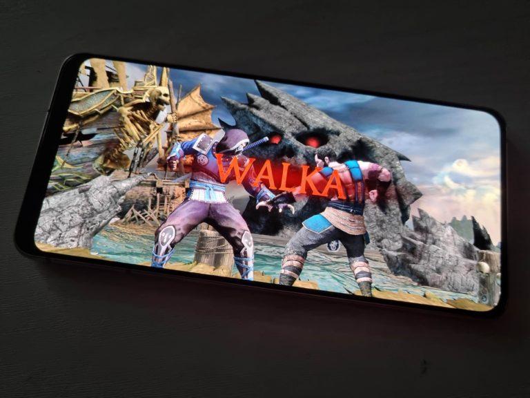Galaxy S21 Plus gaming MK