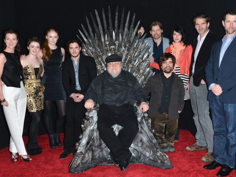 """George R.R. Martin podpisał nową umowę z HBO. Uniwersum """"Gry o Tron"""" rośnie o kolejne seriale"""