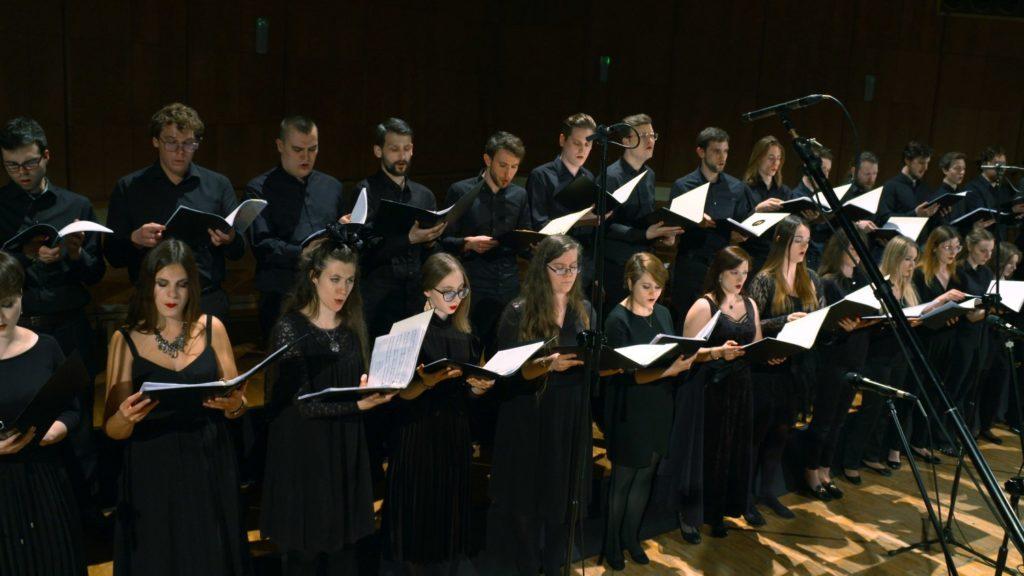 Heroes Orchestra chór na koncercie