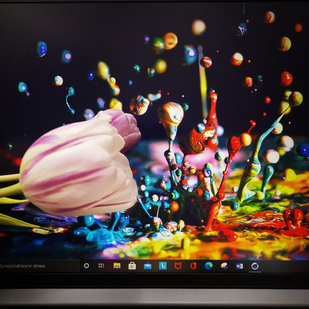 Lenovo Yoga Slim 7 ekran IPS 100% sRGB