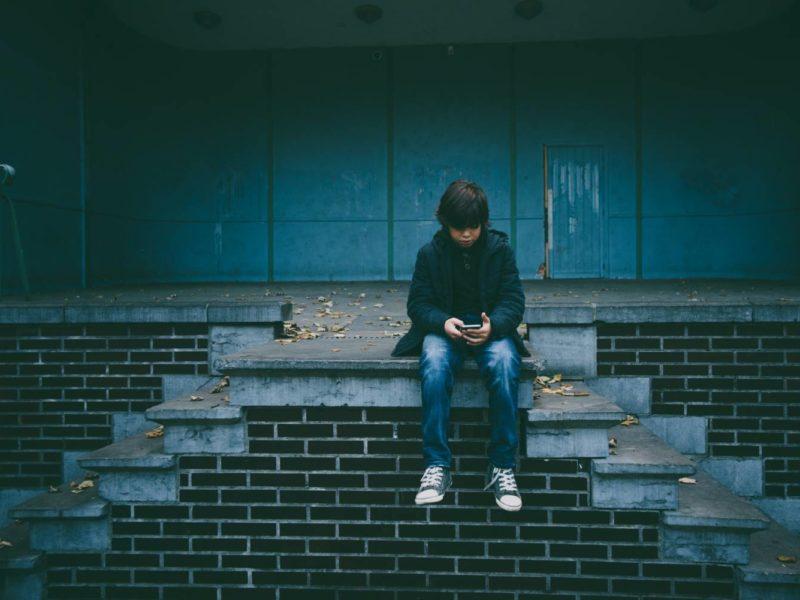 Instagram wprowadza nowe funkcje mające zapewnić większe bezpieczeństwo dzieci i nastolatków