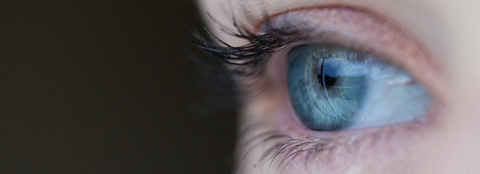oko światło niebieskie
