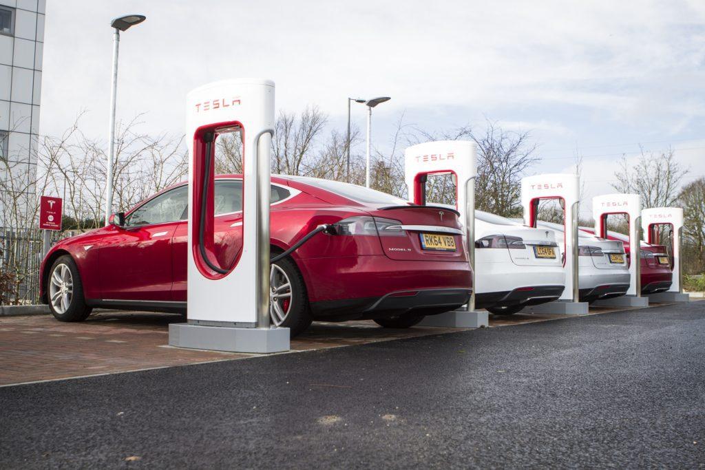 Stacje ładowania Tesla