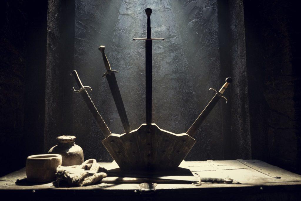 Wiedźmin Netflix sezon 2 miecze