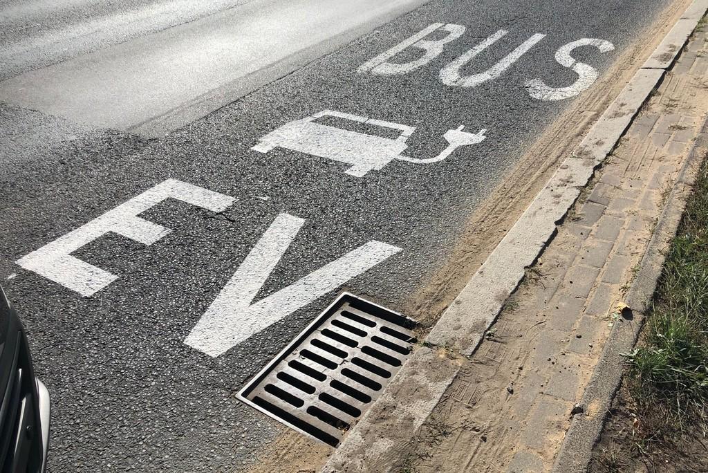 Elektryki na buspasach