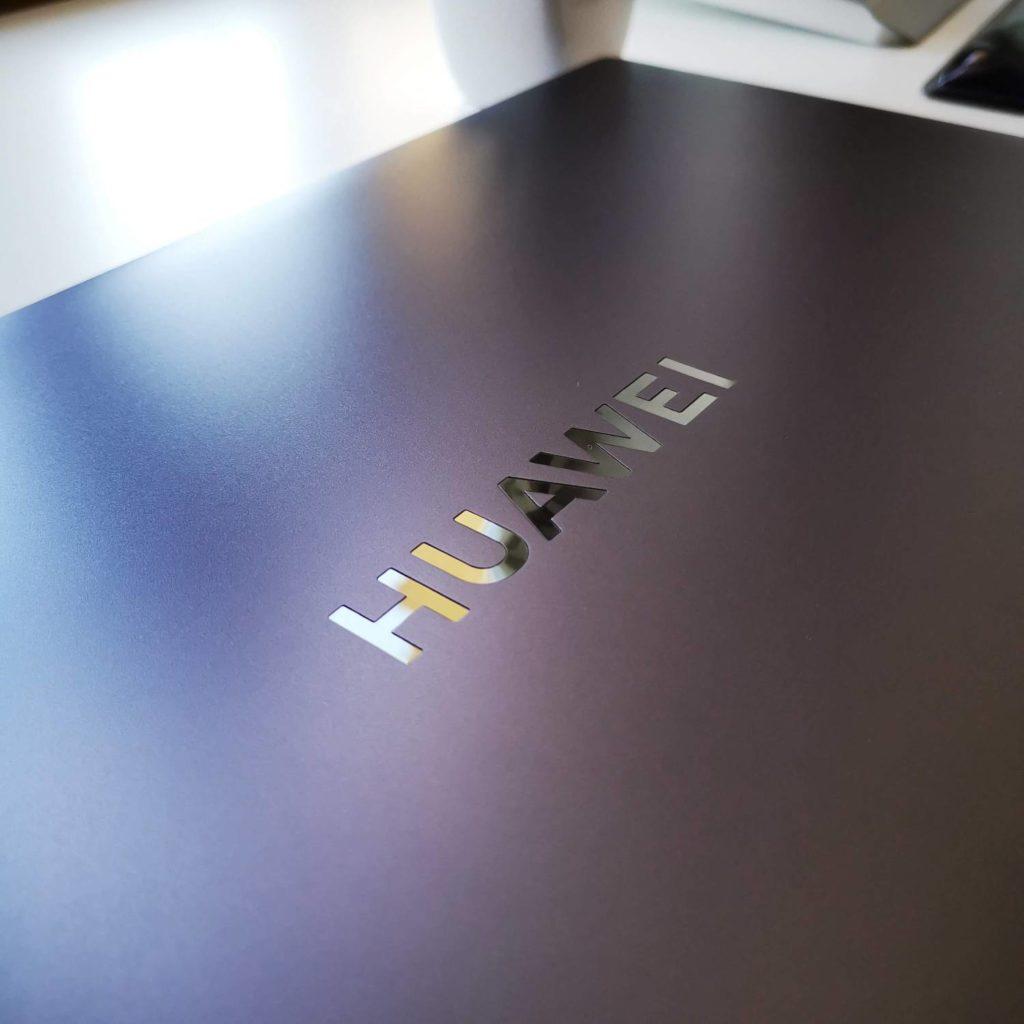 Huawei MateBook D16 logo