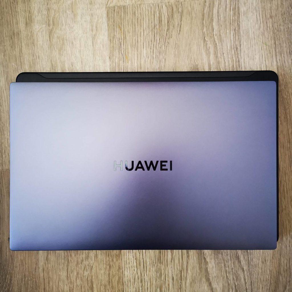 Huawei MateBook D16 porównanie z laptopem 15,6