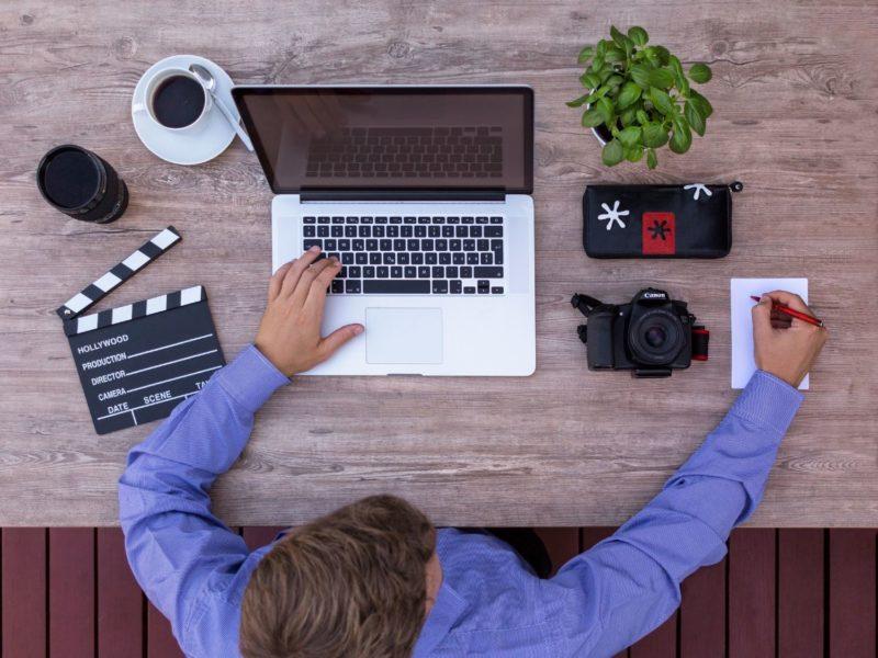 Macie w planach zakup laptopa? To najlepszy moment. Wyjaśniamy dlaczego