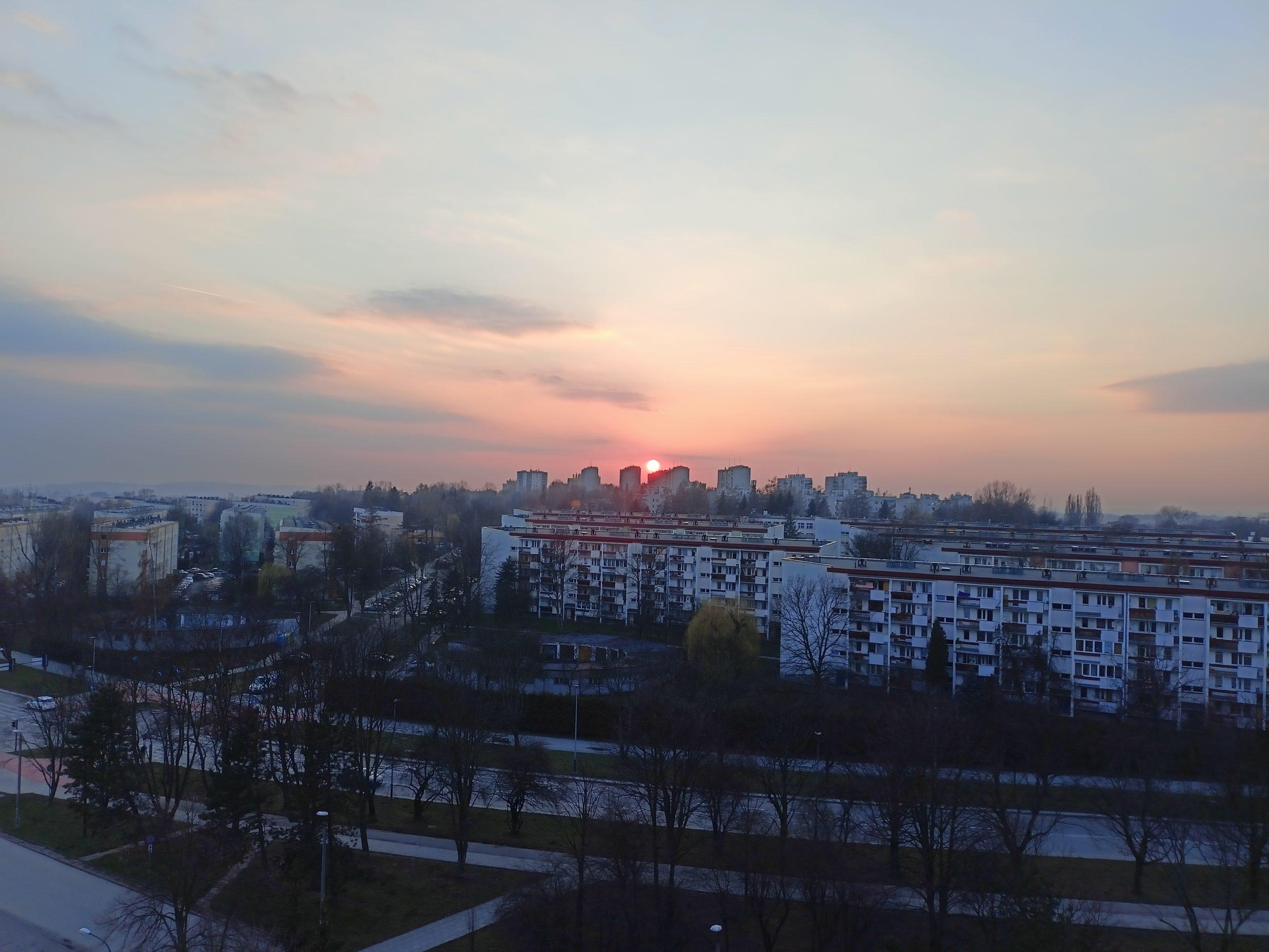 realme 8 zachód słońca