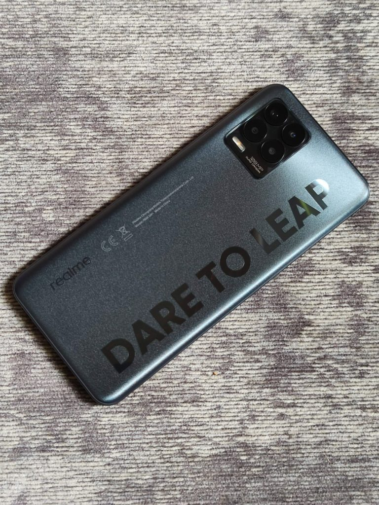 design realme 8 pro infinite black