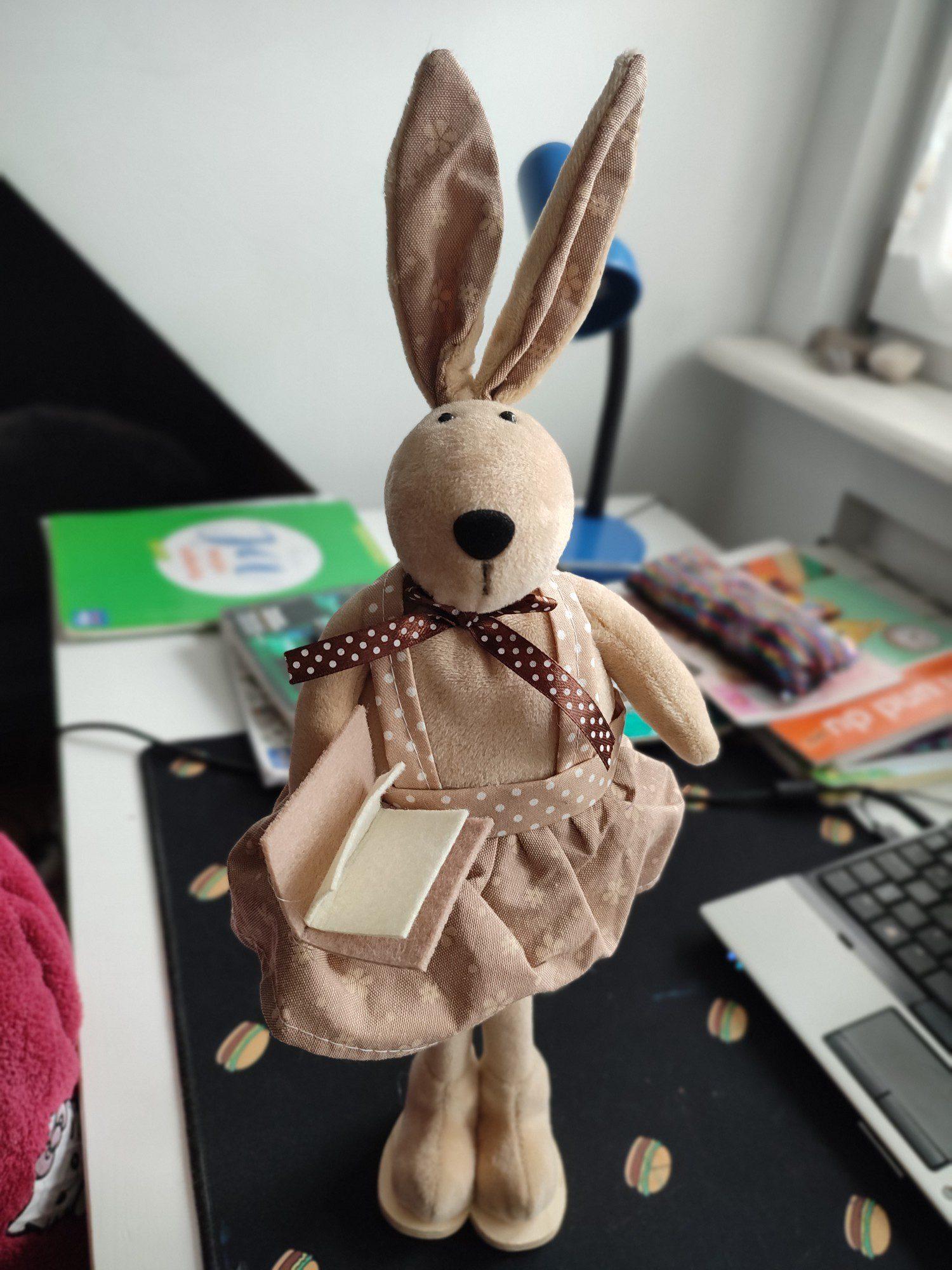 redmi note 10 pro portret pluszowego królika