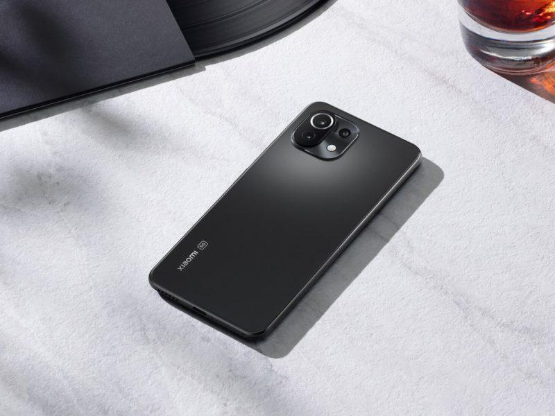 Polska premiera Xiaomi Mi 11 Lite 4G   5G. Cena i specyfikacja najlżejszego i najsmuklejszego smartfona z serii Mi 11