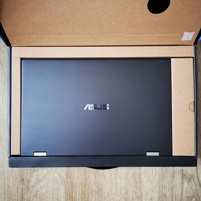 ASUS ZenBook Flip 16 UX564P zawartość pudełka